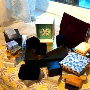 Jewelry - Jewelery boxes cases